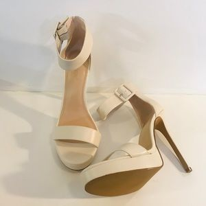 Women's Shoe Dazzle Cream Open Toe Heels-Sz 12